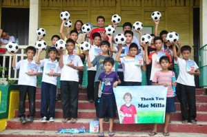 HuaQiao Foundation gets soccer balls to Palompon Philippines